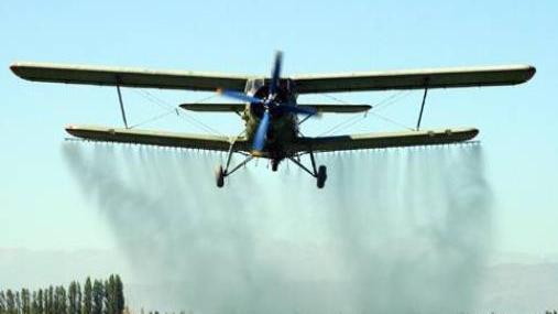 迁安这些区域开展飞机防治美国白蛾工作!