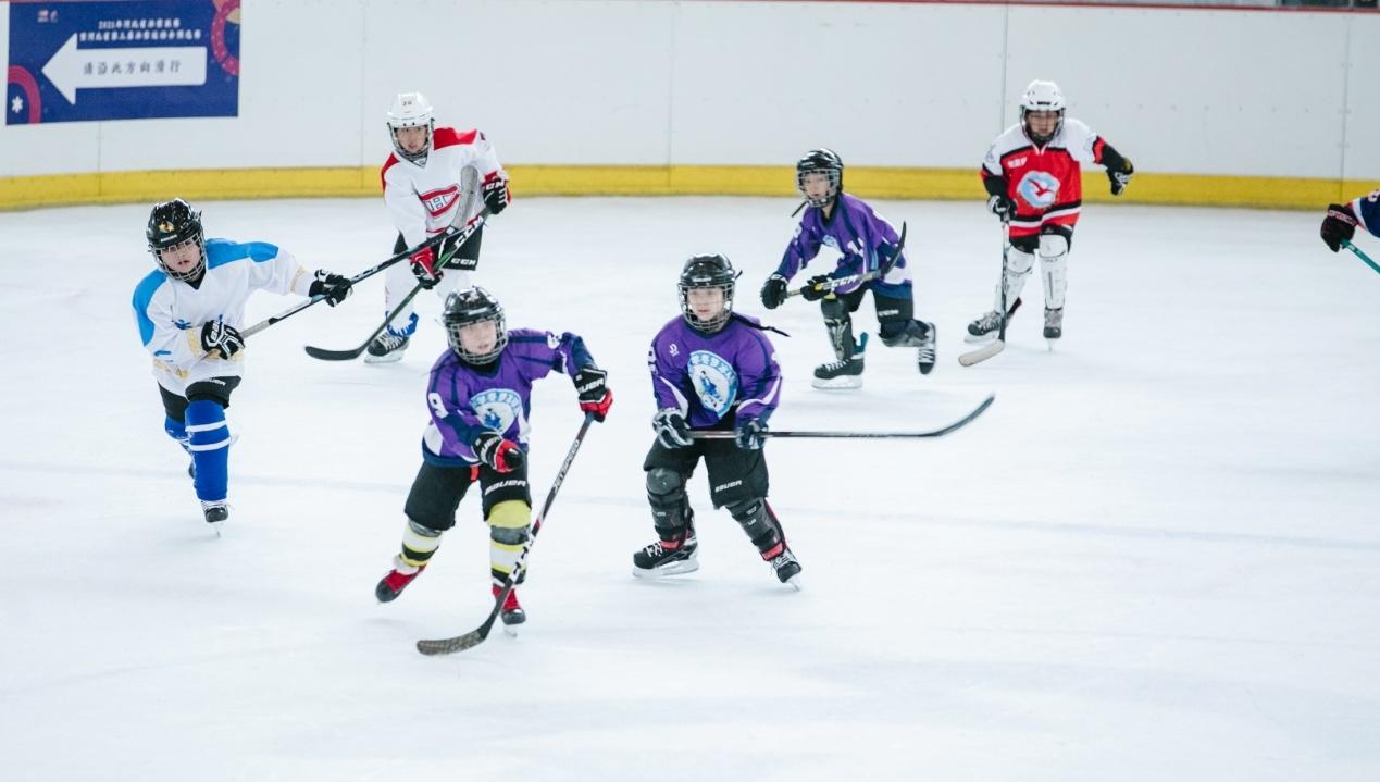 唐山市第三届冰雪运动会冰球比赛落幕