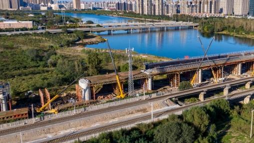 京唐城际铁路三河段施工正酣